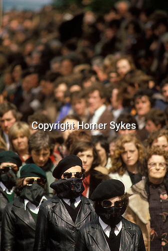 Belfast Ireland 1980s The Troubles. INLA Irish National Liberation Army funeral female paramilitaries.