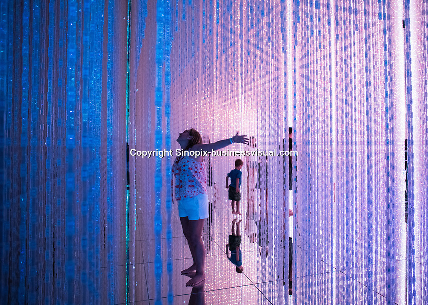 """The """"Infinity Crystal Universe"""" in Team Lab Planets, Tokyo, Japan, July 2019."""