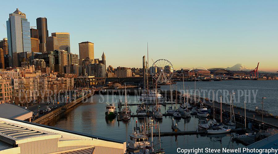 Seattle,Washington,Pier 66,Great Wheel,Pier 57,Mount Rainier,Pikes Place Market,Seattle Great Wheel,Belltown, Waterfront,