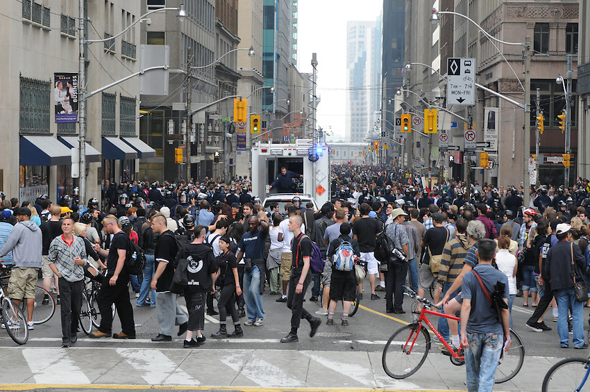 Toronto G 20 Protest g20 protesters crowd Police Bay Street Financial District Old City Hall