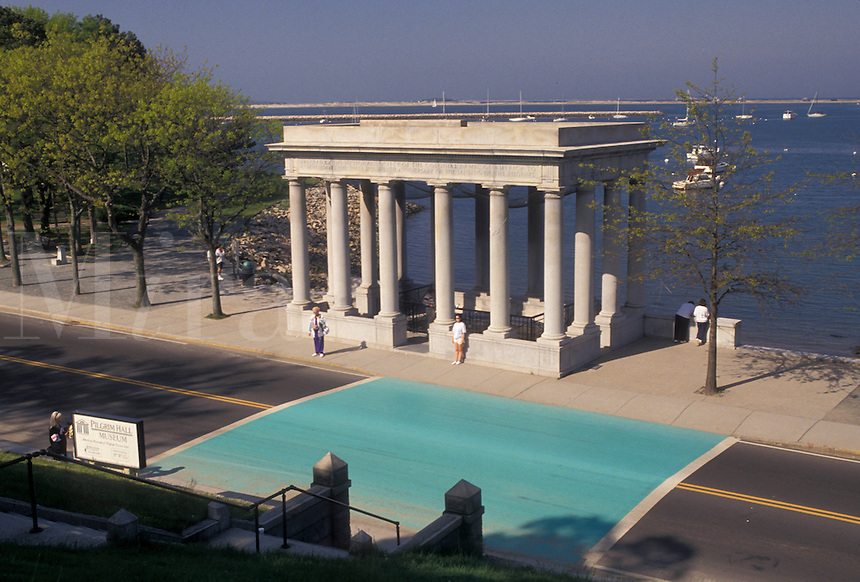 AJ4423, Plymouth, Plymouth Rock, Plymouth Harbor, Massachusetts, Plymouth Rock is housed in a granite portico on Plymouth Harbor in Plymouth in the state of Massachusetts.