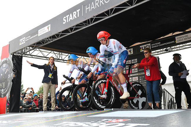 John Archibald, Daniel Bigham and Harry Tanfield of Great Britain at the start of the Team Time Trial Mixed Relay in Harrogate of the UCI World Championships 2019 running from Harrogate to Harrogate, England. 22nd September 2019.<br /> Picture: Alex Whitehead/SWPix.com | Cyclefile<br /> <br /> All photos usage must carry mandatory copyright credit (© Cyclefile | Alex Whitehead/SWPix.com)