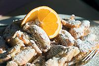 Austria, East-Tyrol, Lienz: cut-up and sugared pancake with raisins serverd at popular Mountain Inn Lienz Dolomites hut (1.616 m) at Lienz Dolomites | Oesterreich, Ost-Tirol, Lienz: Kaiserschmarrn serviert in der Lienzer Dolomitenhuette (1.616 m), beliebte Jausenstation in den Lienzer Dolomiten