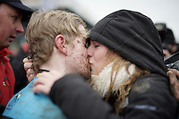 Straight after becoming the newest CX World Champion, Eli Iserbyt (BEL) finds his girlfriend and are overwhelmed by emotion.<br /> In short: he did a 'Sagan'...<br /> <br /> U23 men's race<br /> <br /> UCI 2016 cyclocross World Championships / Zolder, Belgium