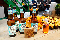 Nederland Amsterdam 2020.  De Horecava. Diverse producten gemaakt van sinaasappelschillen. Frederik Kampman van biermerk Lowlander brouwt bier op basis van overgebleven sinaasappelschillen.   Foto Berlinda van Dam / Hollandse Hoogte