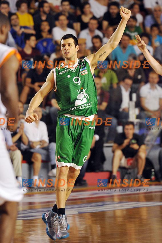 Esultanza di Marco Carraretto Siena<br /> 19/06/2013 Roma, Palatiziano<br /> Play Off Basket, finali gara 5.<br /> Acea Virtus Roma vs Montepaschi Siena<br /> Foto Antonietta Baldassarre / Insidefoto