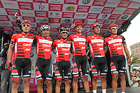 TUNJA - COLOMBIA- 21- 02-2016: Equipo Coldeportes Claro conformado por Luis Felipe Laverde, Carlos Julian Quintero, Miguel Angel Rubiano, Alejandro Ramirez, Luis Alfredo Martinez  y John Edilberto Martinez durante su presentación previo a la prueba ruta individual categoría elite hombres entre las ciudades de Sogamoso y Tunja en una distancia 174,6 km kilometros de Los Campeonato Nacionales de Ciclismo 2016, que se realizan en Boyaca. / Coldeportes Claro team formed by Luis Felipe Laverde, Carlos Julian Quintero, Miguel Angel Rubiano, Alejandro Ramirez, Luis Alfredo Martinez and John Edilberto Martinez during their presentation prior the Elite test individual route men between the towns of Sogamoso and Tunja at a distance of 174,6 km of the National Cycling Championships 2016 performed in Boyaca. / Photo: VizzorImage / Cesar Melgarejo / Cont.