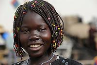 MALI, Mopti , young girl with fashion hairstyle / junges Maedchen mit geflochtenen Zoepfen