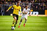 11.05.2019, Signal Iduna Park, Dortmund, GER, 1.FBL, Borussia Dortmund vs Fortuna Düsseldorf, DFL REGULATIONS PROHIBIT ANY USE OF PHOTOGRAPHS AS IMAGE SEQUENCES AND/OR QUASI-VIDEO<br /> <br /> im Bild | picture shows:<br /> Lukasz Piszczek (Borussia Dortmund #26) setzt sich durch, <br /> <br /> Foto © nordphoto / Rauch