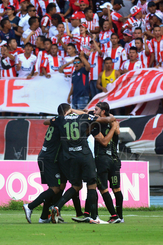 BARRANQUIILLA -COLOMBIA-09-04-2016: Jugadores de Atlético Nacional celebran después de anotar un gola a Atlético Junior durante partido por la fecha 12 de la Liga Águila I 2016 jugado en el estadio Metropolitano Roberto Meléndez de la ciudad de Barranquilla./ Players of Atletico Nacional celebrate after scoring a goal to Atletico Junior during match for the date 12 of the Aguila League I 2016 played at Metropolitano Roberto Melendez stadium in Barranquilla city.  Photo: VizzorImage/ Alfonso Cervantes /Cont