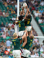 Twickenham, United Kingdom. 3rd June 2018, HSBC London Sevens Series. Game 45. Cup Final.  Fiji vs South Africa. <br /> <br /> A High contest ball RSA's Stedman GANS [L] and Justin GEDULD [R] stretch up to the ball, during the Rugby 7's, match played at the  RFU Stadium, Twickenham, England, <br /> <br /> <br /> <br /> &copy; Peter SPURRIER/Alamy Live News