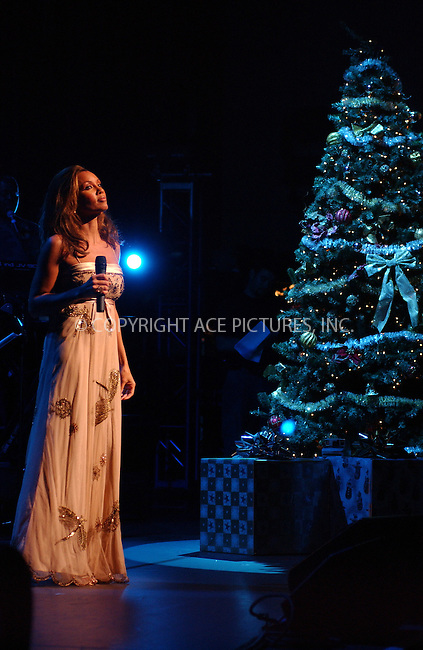 WWW.ACEPIXS.COM . . . . . ....NEW YORK, DECEMBER 1, 2004....Vanessa Williams rehearses at the Palace Theatre for her show tonight.....Please byline: ACE006 - ACE PICTURES.. . . . . . ..Ace Pictures, Inc:  ..Alecsey Boldeskul (646) 267-6913 ..Philip Vaughan (646) 769-0430..e-mail: info@acepixs.com..web: http://www.acepixs.com