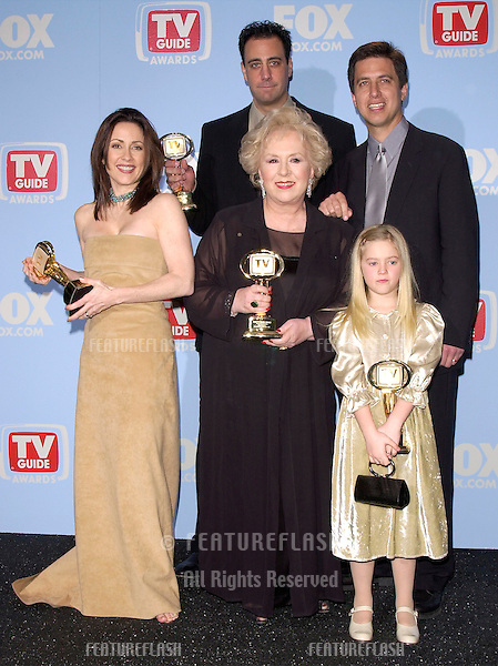 "05MAR2000:  ""Everybody Loves Raymond"" stars PATRICIA HEATON (left), BRAD GARRETT, DORIS ROBERTS, RAY ROMANO & MADYLIN SWEETEN at the 2nd Annual TV Guide Awards, in Los Angeles where the show won Favorite Comedy Series.                   .© Paul Smith / Featureflash"