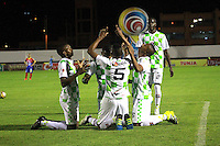TUNJA - COLOMBIA -04 -10-2015: Los jugadores de Boyaca Chico FC celebran el gol anotado a Deportivo Pasto, durante partido entre Boyaca Chico FC y Patriotas FC, por la fecha 15 de la Liga Aguila II-2015, jugado en el estadio La Independencia de la ciudad de Tunja. / The players of Boyaca Chico FC, celebrate a goal scored to Deportivo Pasto, during a match between Boyaca Chico FC and Deportivo Pasto, for the date 15 of the Liga Aguila II-2014 at the La Independencia  stadium in Tunja city, Photo: VizzorImage  / Cesar Melgarejo / Cont.