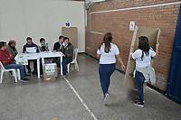 BOGOTA - COLOMBIA, 27-05-2018: Las elecciones presidenciales de Colombia de 2018 se celebrarán hoy domingo 27 de mayo de 2018. El candidato ganador gobernará por un periodo máximo de 4 años fijado entre el 7 de agosto de 2018 y el 7 de agosto de 2022. / Colombia's 2018 presidential election are held today, Sunday, May 27, 2018. The winning candidate will govern for a maximum period of 4 years fixed between August 7, 2018 and August 7, 2022.. Photo: VizzorImage / Gabriel Aponte / Staff