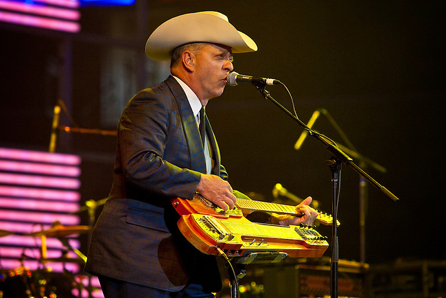Junior Brown performing on stage at the Domino Effect Benefit Concert in the New Orleans Arena in New Orleans, Louisiana, USA, 30 May 2009.