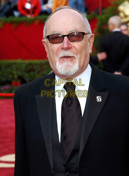 GIL CATES.Red Carpet Arrivals, 77th Annual Academy Awards held at the Kodak Theatre, Hollywood, California, USA, .27th February 2005.  .oscars portrait headshot sunglasses shades beard.Ref: ADM.www.capitalpictures.com.sales@capitalpictures.com.©JWong/AdMedia/Capital Pictures