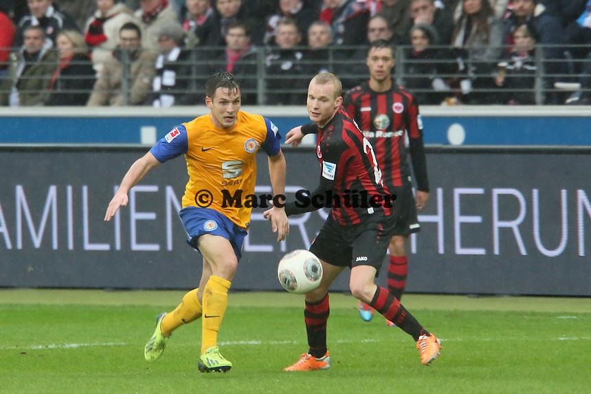 Kevin Kratz (Braunschweig) gegen Sebastian Rode (Frankfurt) - Eintracht Frankfurt vs. Eintracht Braunschweig, Commerzbank Arena