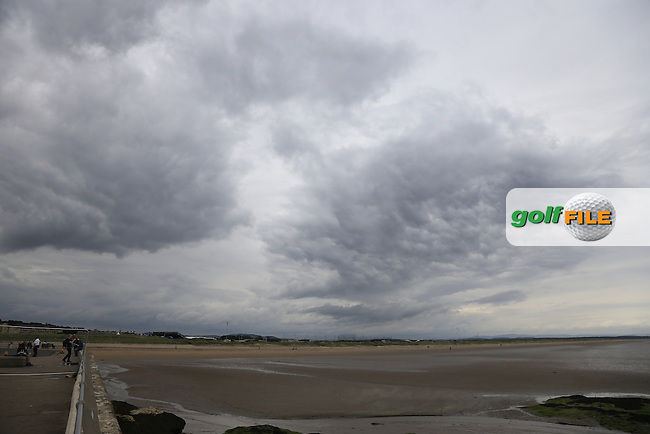 Storm clouds gather again over St.Andrews during Monday's Final Round of the 144th Open Championship, St Andrews Old Course, St Andrews, Fife, Scotland. 20/07/2015.<br /> Picture Eoin Clarke, www.golffile.ie