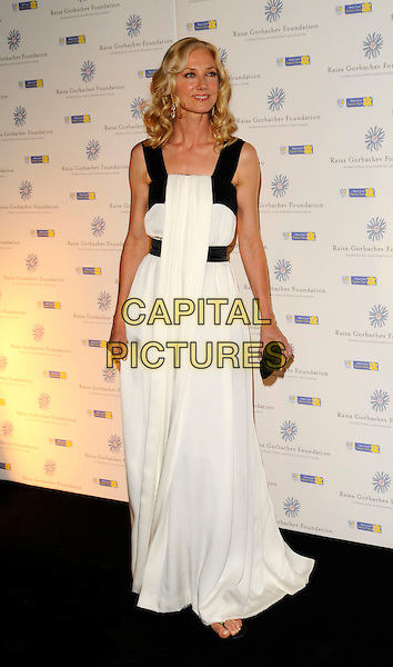 JOELY RICHARDSON.At the Russia Midsummer Fantasy, in aid of the Raisa Gobachev Foundation, Stud House, Home Park, Hampton Court, England, UK, 7th June 2008. .arrivals full length white dress long maxi black straps clutch bag purse Joley.CAP/CAN.©Can Nguyen/Capital Pictures