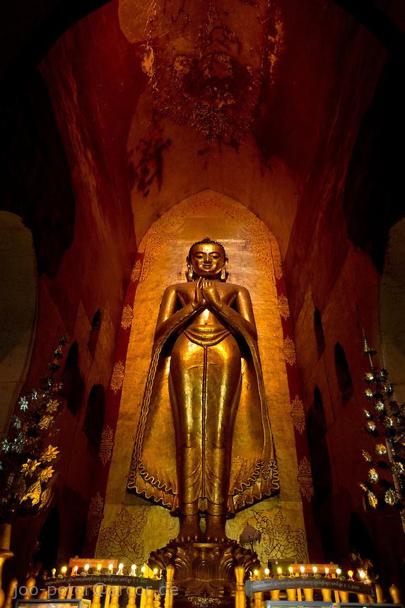 buddha statue in Ananda temple, Bagan archeological site, Myanmar . Ananda temple was built  1091 A.D. by king Kyanzittha