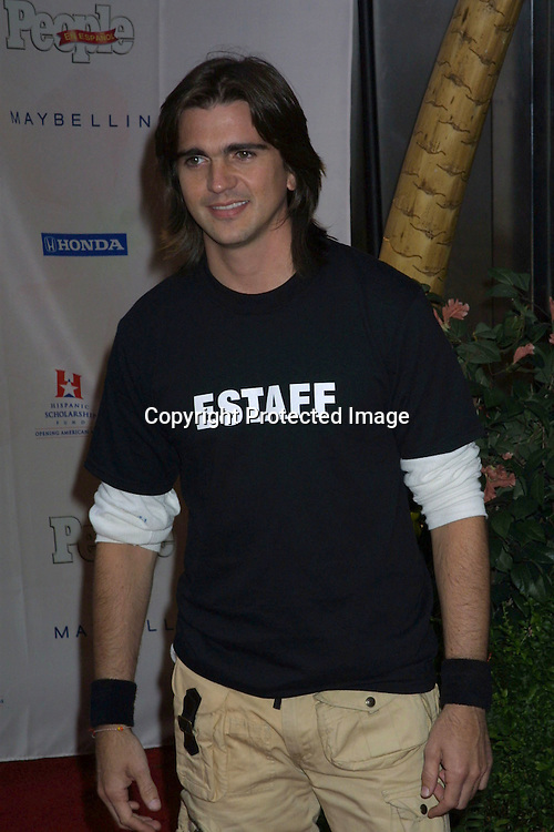 "©2003 KATHY HUTCHINS / HUTCHINS PHOTO.PEOPLE EN ESPANOL ""25 MOST BEAUTIFUL"" CELEBRITY GALA ROSELAND BALLROOM.NEW YORK CITY, NY.MAY 14, 2003..JUANES"