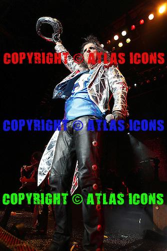 Alice Cooper, live, 2011 ,Ken Settle/atlasicons.com