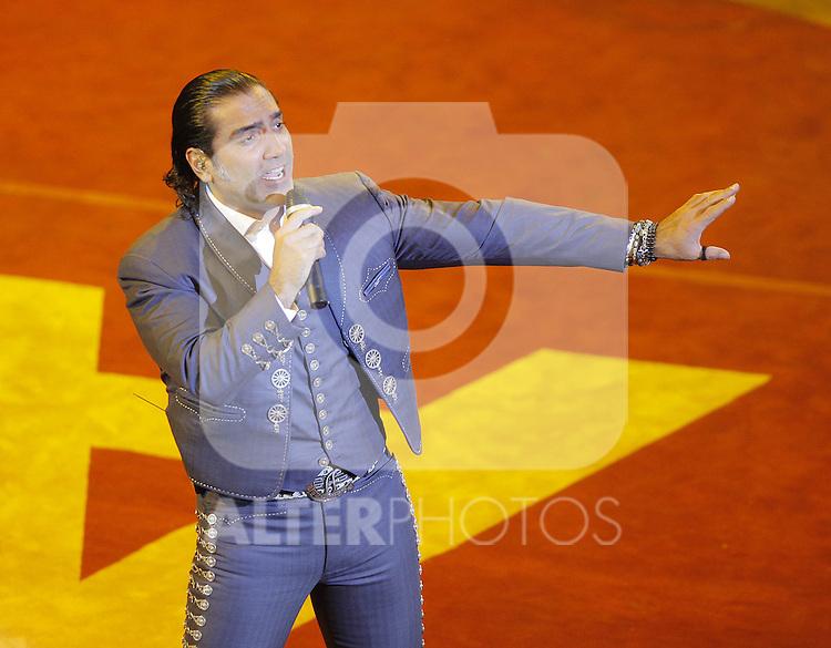 Alejandro Fernadez durante su concierto en el palenque de la Feria de Leon 2013 , Guanajuato el 1 de febrero del 2013....(*Foto:TiradorTercero/NortePhoto*)