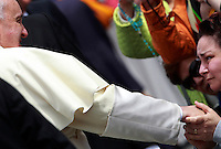 Papa Francesco saluta i fedeli al termine dell'udienza generale del mercoledi' in Piazza San Pietro, Citta' del Vaticano, 7 maggio 2014.<br /> Pope Francis greets faithful at the end of his weekly general audience in St. Peter's Square at the Vatican, 7 May 2014.<br /> UPDATE IMAGES PRESS/Isabella Bonotto<br /> <br /> STRICTLY ONLY FOR EDITORIAL USE