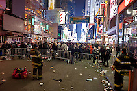NEW YORK - MANHATTAN 01/01/2013 - CAPODANNO A NEW YORK. NELLA FOTO TIME SQUARE PRIMA DELLA MEZZANOTTE PIENA DI PERSONE PER L'ATTESA DEL NUOVO ANNO..FOTO DILORETO ADAMO