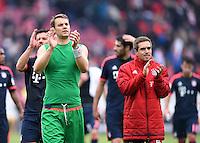 Fussball  1. Bundesliga  Saison 2015/2016  29. Spieltag  VfB Stuttgart  - FC Bayern Muenchen    09.04.2016 Torwart Manuel Neuer (li, FC Bayern Muenchen) und Philipp Lahm (FC Bayern Muenchen) mit Dank an die Fans nach dem Spiel