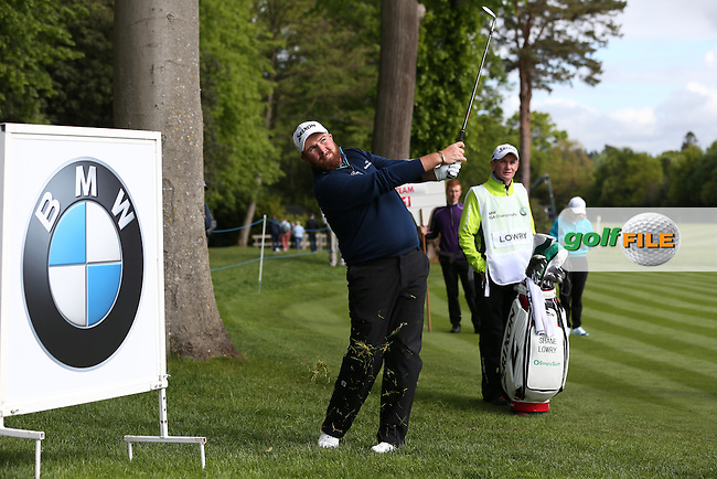 Shane LOWRY (IRL) chips to the 18th during the Pro-Am ahead of the 2015 BMW PGA Championship over the West Course at Wentworth, Virginia Water, London. Picture David Lloyd, www.golffile.ie: 20/05/2015