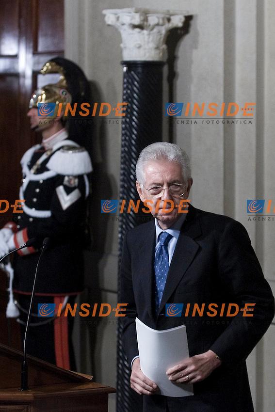 CONSULTAZIONI AL QUIRINALE CON IL PRESIDENTE DELLA REPUBBLICA A SEGUITO DELLE DIMISSIONI DEL GOVERNO..NELLA FOTO MARIO MONTI  ACCETTA CON RISERVA L INCARICO DI FORMARE IL NUOVO GOVERNO..ROMA 13 NOVEMBRE  2011..PHOTO  SERENA CREMASCHI INSIDEFOTO..............................