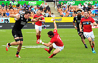 NZ's Sam Dickson in action against Scotland. 2018 HSBC World Sevens Series Hamilton at FMG Stadium in Hamilton, New Zealand on Saturday, 3 February 2018. Photo: Dave Lintott / lintottphoto.co.nz