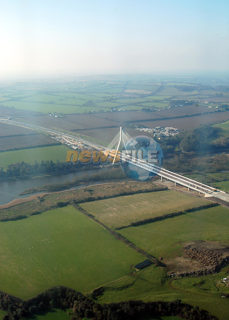 The Boyne Cable Bridge north-east.....Picture Tony Campbell Newsfile...This Picture is sent to you by:..Newsfile Ltd.The View, Millmount Abbey, Drogheda, Co Louth, Ireland..Tel: +353419871240.Fax: +353419871260.GSM: +353862500958.ISDN: +353419871010.email: pictures@newsfile.ie.www.newsfile.ie