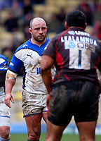 David Flatman faces off against his opposite number, Kasiano Lealamanua. Guinness Premiership match between Saracens and Bath on February 28, 2010 at Vicarage Road in Watford, England. [Mandatory Credit: Patrick Khachfe/Onside Images]