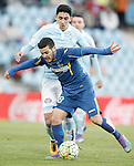 Getafe's Victor Rodriguez (f) and Celta de Vigo's Pablo Hernandez during La Liga match. February 27,2016. (ALTERPHOTOS/Acero)