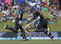 NZ's Colin Munro and Ross Taylor in action during the One Day International cricket match between NZ Black Caps and Sri Lanka at Mount Maunganui, New Zealand on Saturday, 5 January 2019. Photo: Dave Lintott / lintottphoto.co.nz