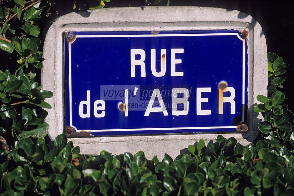 """Europe/France/Bretagne/29/Finistère/Lampaul Plouarzel: Plaque de rue """"Rue de l'Aber"""" signalant l'Aber Ildut"""
