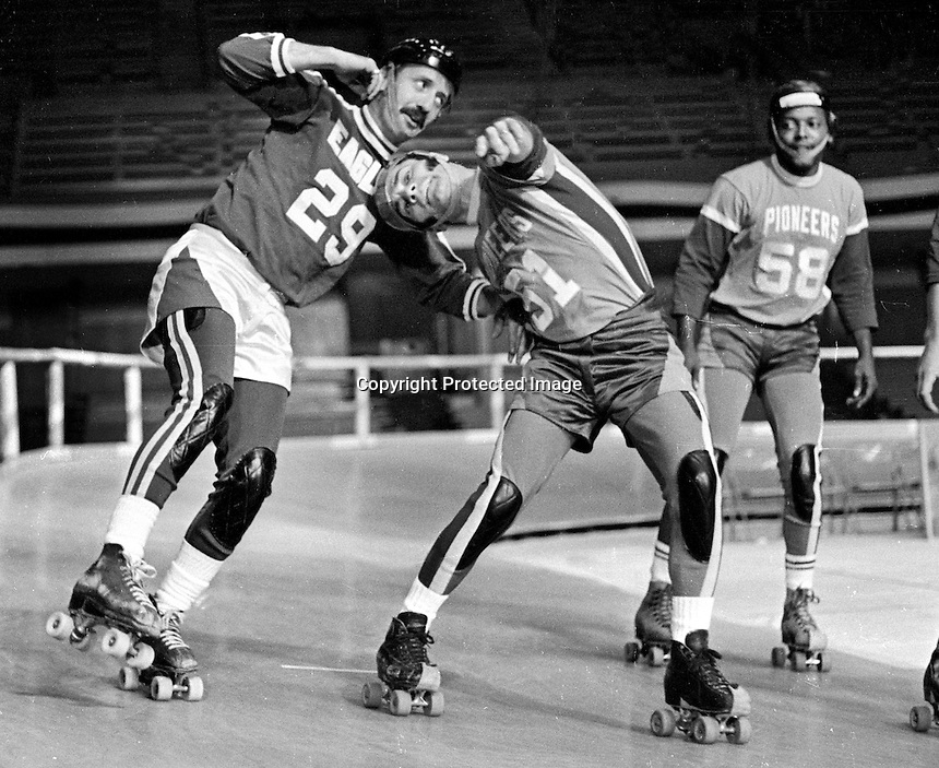 ROLLER DERBY ACTION: Eagles against the Chiefs..<br />