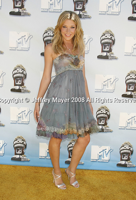 Actress Sarah Roemer arrives to the 2008 MTV Movie Awards on June 1, 2008 at the Gibson Amphitheatre in Universal City, California.