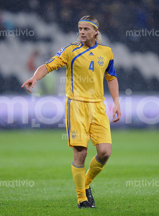 Fussball International   WM  2010  Play Off    18.11.2009 Ukraine - Griechenland Anatoliy Tymoshchuk (UKR) zeigt