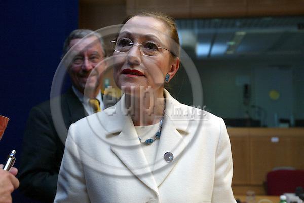 Belgium---Brussels---EU-Summit---italian presidency---Briefing         16.10.2003.Benita FERRERO-WALDNER, Foreign Minister , Austria            ..PHOTO:  / ANNA-MARIA ROMANELLI / EUP-IMAGES
