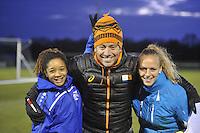 VOETBAL: NIEUWEHORNE: 02-12-2015, SC Heerenveen talententraining damesvoetbal, ©foto Martin de Jong