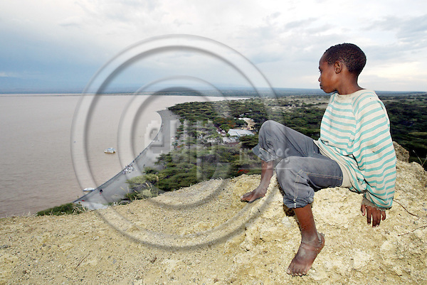 LAKE LANGANO - ETHIOPIA - 17 APRIL 2004 -- An Ethiopian boy and the view over the Lake Langano in the East African Rift Valley. --PHOTO: JUHA ROININEN / EUP-IMAGES