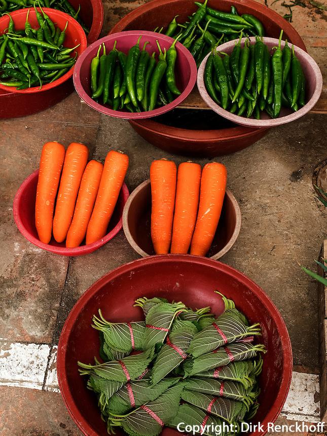 Gem&uuml;se auf dem Markt in Gurye, Provinz Jeollanam-do, S&uuml;dkorea, Asien<br /> vegetables on market iin Gurye, province Jeollanam-do, South Korea, Asia