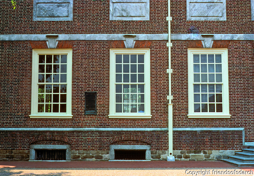 Philadelphia: Independence Hall--windows. Georgian style.  Photo '88.