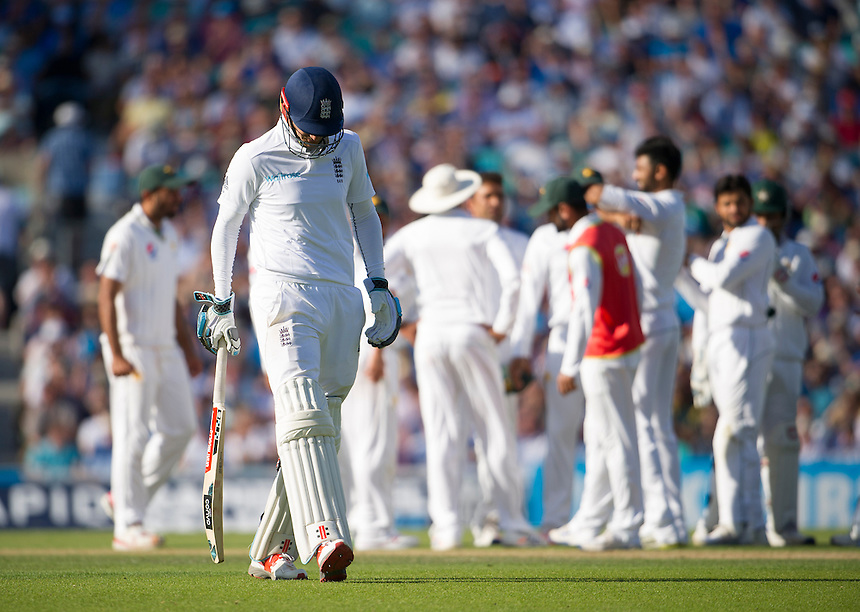 England's Alex Hales dejected after this review is rejected - Alex Hales lbw Yasir Shah 12<br /> <br /> Photographer Ashley Western/CameraSport<br /> <br /> International Cricket - 4th Investec Test - England v Pakistan - Day 3 - Saturday 13th August 2016 - The Oval - London<br /> <br /> World Copyright &copy; 2016 CameraSport. All rights reserved. 43 Linden Ave. Countesthorpe. Leicester. England. LE8 5PG - Tel: +44 (0) 116 277 4147 - admin@camerasport.com - www.camerasport.com
