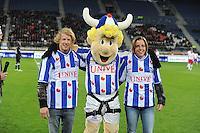 SC HEERENVEEN-FRIES ELFTAL: HEERENVEEN: ABE LENSTRA STADION, 17-10-2012, Epke Zonderland, Mascotte Hero, Alyda Norbruis, Einduitslag 4-0, ©foto Martin de Jong