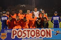 ENVIGADO -COLOMBIA-19-02-2014. Jugadores de Envigado FC posan para una foto de grupo previo al partido en contra de Atlético Nacional por la fecha 6 de la Liga Postobón I 2014 realizado en el Polideportivo Sur de la ciudad de Envigado./ Players of Envigado FC pose to a pohoto group prior a match against Atletico Nacional for the 6th date of the Postobon League I 2014 at Polideportivo Sur in Envigado city.  Photo: VizzorImage/Luis Ríos/STR